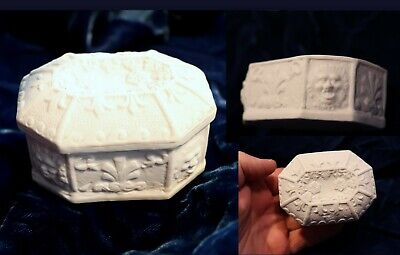 Fine Antique Parian Ware Trinket Box Lion's Heads