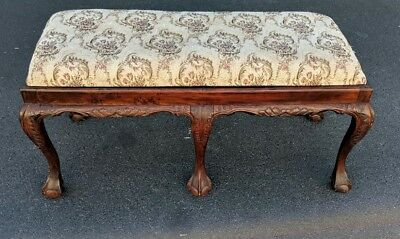Beautiful vintage/ANTIQUE Chippendale style carved mahogany upholstered seat!