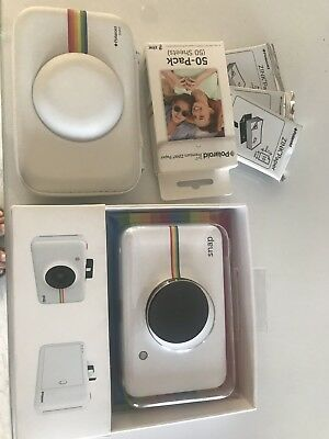 White Poloroid Snap Instant Camera, used (in near mint condition). Travel Cover