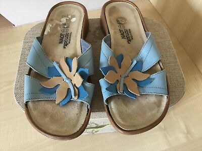 Ladies NAOT leather slip on sandals size 38
