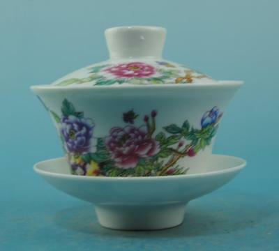 Chinese old Jingdezhen porcelain famille rose flower pattern teacup b02