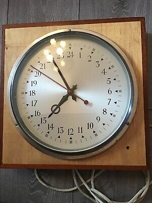 Electric vintage 24 hour clock - manufactured by Magneta- not working