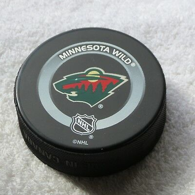 save off 4c4b1 09293 Minnesota Wild Official NHL Game Puck - 2002-03 - Old Wild Logo - Bettman