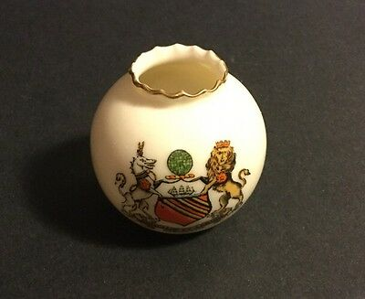 """W.h. Goss Crested Miniature Toothpick Holder """"concilio Et Labore"""" Manchester"""