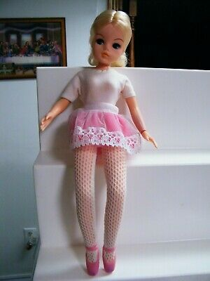 SINDY Ballerina  Doll Pedigree with original clothing