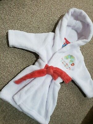 Stunning Very Hungry Caterpillar Baby Girls Dressing Gown 0-3months White