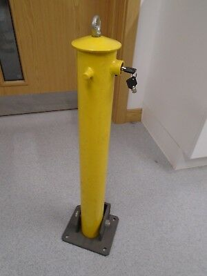 Lockable car parking post with keys heavy duty yellow
