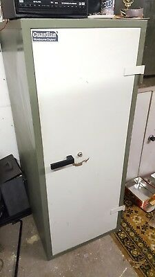 VERY LARGE GUARDIAN SAFE - FIRE SAFE? 147cm TALL