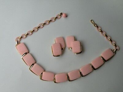LISNER thermoset plastic pink necklace, clip - on earrings. Set.