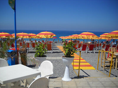 Seaside property real estate in Italy for sale. 2bed apartment near beach center