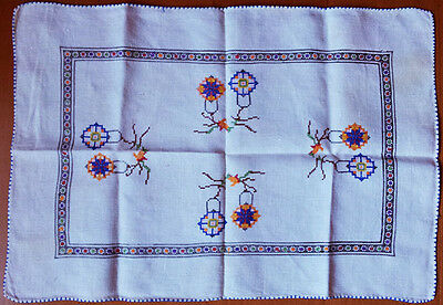 Traycloth, linen, fine embroidery, vintage