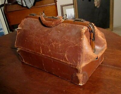 L.E. MORRISON Vintage Doctors Bag Brown Leather Cowhide Hard to Find !!!