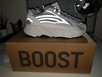 factory authentic 0fca2 1bf74 Adidas Yeezy 700 Boost V2 Static UK 6 US 6.5 100% AUTHENTIC With RECIEPT