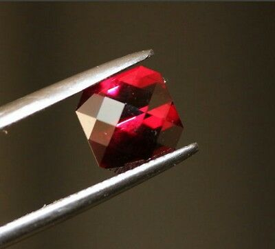 Amazing natural rodolite garnet 3.03ct