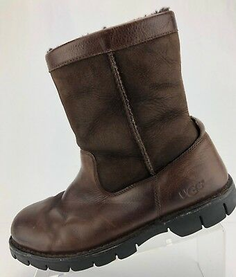 0aaedd5c85e UGG AUSTRALIA BEACON Brown Leather Shearling Lined Ankle Winter Boots Mens 9