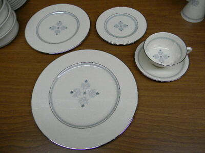 """Lenox China """"charmaine"""" Pattern 5 Pce Place Setting  Excellent Condition"""