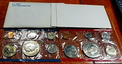 1977 Mint Set Uncirculated 12 U.S coin set with 2 Eisenhower Dollars Premium set