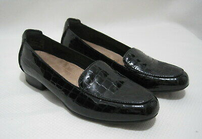 875a54560ec CLARKS ARTISAN Women s Size 8M Black Croc Embossed Patent Leather Loafers  Shoes