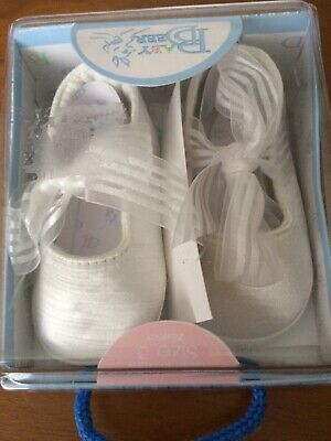 477afec2440 BABY DEER IVORY Lace Champagne Sandals with Chiffon Flower Baby Size ...