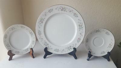 Lot of 21 Carlton Fine China Corsage Pattern #481 Dinner &Salad Plates & Saucers