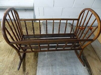 Vintage Style Oak Rocking Crib. Lovely Condition. Really Attractive.