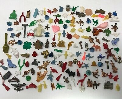 Mixed Lot of Vintage Plastic & Metal Charms Animals Skiull Car Heart