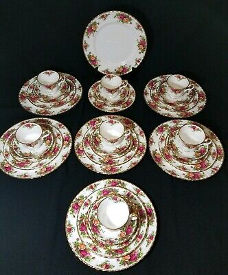 35 Piece Set of Royal Albert 1962 England OLD COUNTRY ROSES Dinnerware