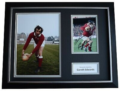 Gareth Edwards Signed Framed Autograph 16x12 photo display Wales Rugby COA