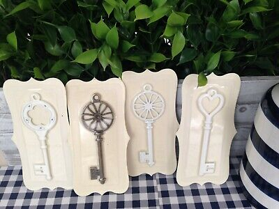 """Lot of 4 keys for Crafts, Projects  Skeleton 4.5"""" White and Antique Gold New"""
