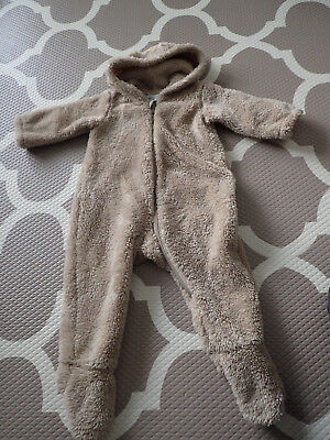 Uniqlo Brown Baby warm furry suit 80cm 11kgs size 1 approx (from memory)
