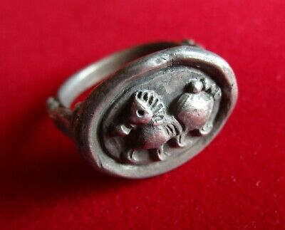 >> HORSE << Amazing Ancient CELTIC DANUBIAN TRIBES SILVER CARVED RING .