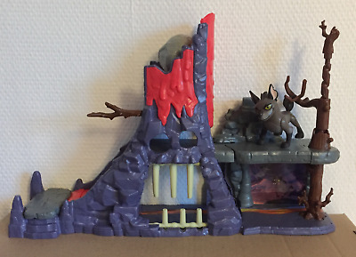 Disney Junior The Lion Guard Hyena's Hide Out Play Set with Janja figure