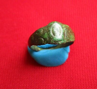 Ancient Roman small bronze ring . circa 300 AD.