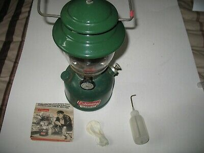 COLEMAN 201 KEROSENE Lantern 6-78 With Extras, Act  Shipping