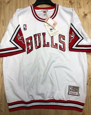 d583d6e05 Chicago Bulls Mitchell   Ness NBA Authentic 1987-88 Home Shooting Shirt  White