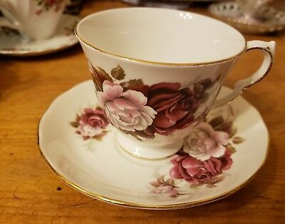 VINTAGE ROYAL VALE BONE CHINA MATCHING TEA CUP & SAUCER SET, made in England