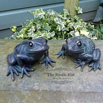 Pair of Frog Garden Ornaments - Bronze Finish