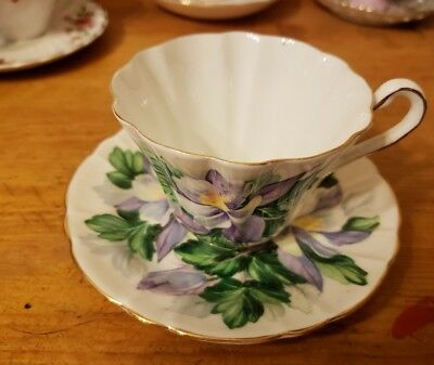 VINTAGE GLADSTONE COLUMBINE BONE CHINA  TEA CUP & SAUCER SET, made in England