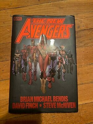 Marvel The New Avengers book by Brian  Bendis, David Finch, and Steve McNiven