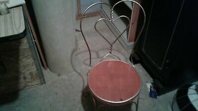 Set Of 4Vintage  Ice Cream Parlor Chairs w/Sweetheart Twisted Wrought Iron