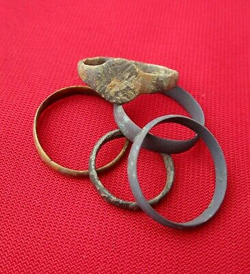 Ancient Roman rings & wedding ring's Lot with 5 pieces . bronze . No.25