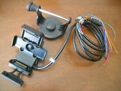Garmin 010-11025-00 Marine Mount with Power / Data Cable