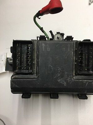2013-2016 Ford Fusion Engine Bay Fuse Relay Junction Box DG9T14A067AF USED OEM