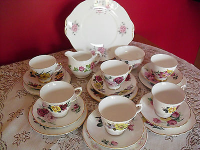 Lovely Vintage bone china mixed mismatch pink roses/flowers Tea set  21 pieces
