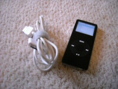 Apple iPod nano 1st Generation Black (4 GB)