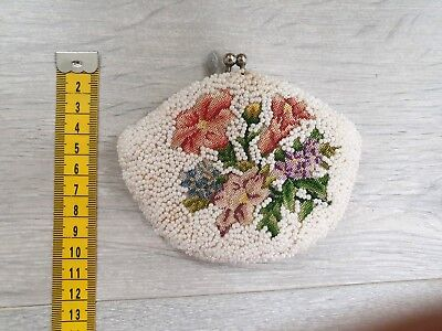 Vintage beaded coin purse - floral tapestry needlework - Super cute and unique