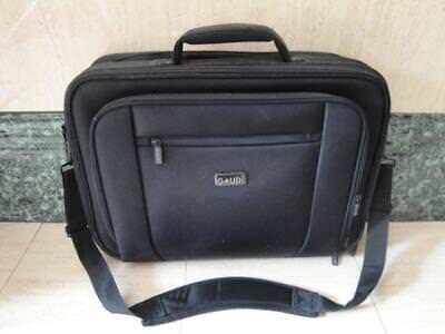 33b58cd890 BORSA PORTA PC MARCA GAUDì PER LAPTOP DA 17