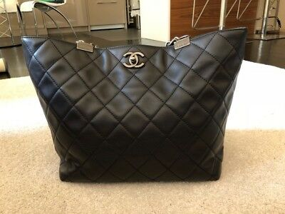9fe515711bcc27 Beautiful Authentic CHANEL Calfskin Quilted Large Shopping In Chains Tote  Black