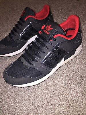 20746a1e685290 mens adidas trainers size 8 black with navy /red detail *collection In  person *