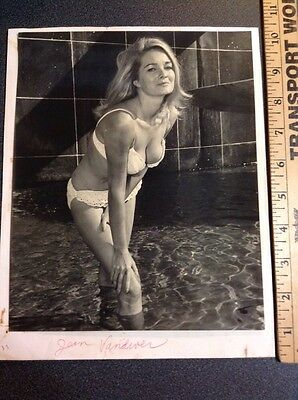 Bunny Yeager Bettie Page Photographer Pin Up Photo Signed Original Book